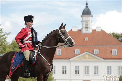 A rider in the historic Prussian uniform. © Archiv Boiselle