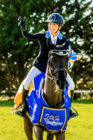 Amanda Ross and the Fraser Brown owned Koko Popping Candy were all smiles at the presentation of the CIC3* - © Geoff McLean/Gone Riding Media