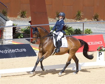 Emma Booth and Zidane finished sixth in the Medium - © Roger Fitzhardinge