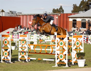 Jamie Kermond and Yandoo Oaks Constellation on their way to victory - © Adele Severs/EQ Life