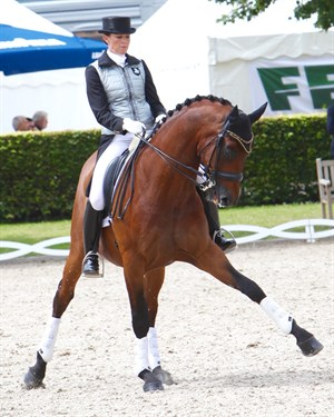 Lyndal Oatley and Sandro Boy are the epitome of suppleness. Take note! © Roger Fitzhradinge