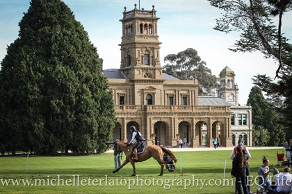 Madison Simpson gallops LV Elf in front of Werribee Mansion in the CCI2* © Michelle Terlato