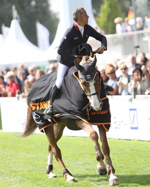 Olivier Robert and Vadrouille d´Avril, winners of the STAWAG Opening Jumping Competition