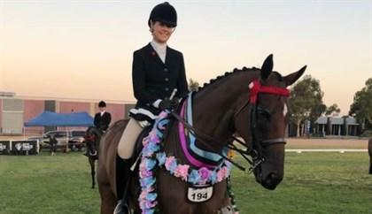 Tartan Warrior and Ali Berwick. Image via Twitter: @RV_OffTheTrack