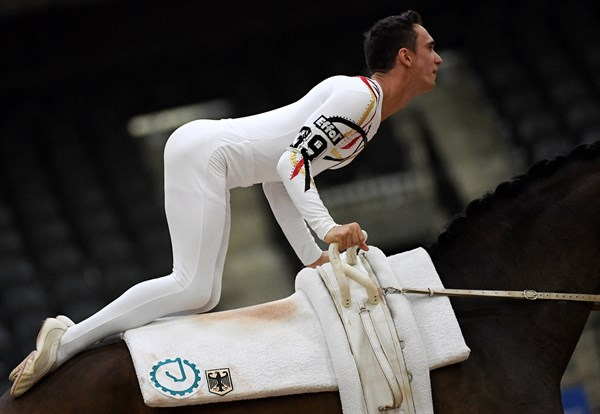 Vaulting Thomas Brusewitz of Germany on Patric looser © FEI/Martin Dokoupil